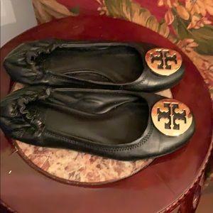 Tory Burgh flat ballerina shoe